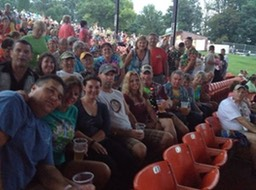 2014 Parrothead Group at Concert