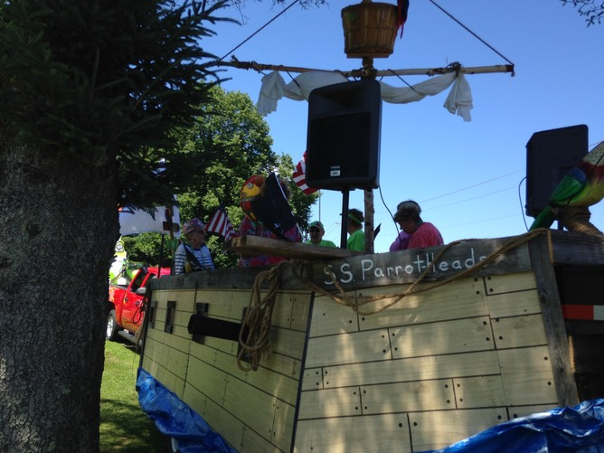 Pirate Float L side 1